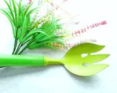 Vintage Bright Green Garden Tool Bonny Prod. Co. NY Metal and With Plastic Handle House Plants Gardening, Great Gift - DebscountryVintage