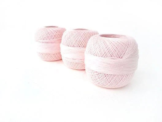 Linen yarn, linen thread, pink ,pastel, natural linen, rose smoke - YarnStories