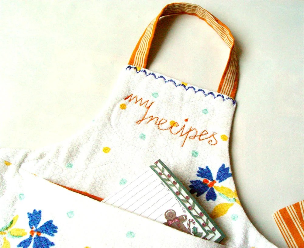 MINI APRON, Kitchen Decor, Wall Pocket, White Orange - BozenaWojtaszek