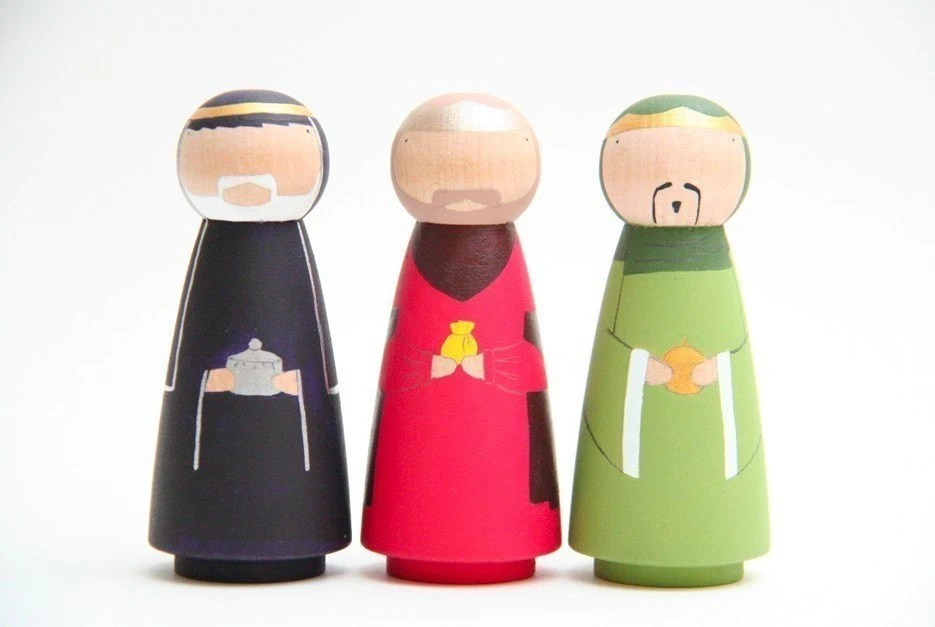 SALE - A Hand Painted Nativity Set - Wooden Dolls - Free Wooden Box