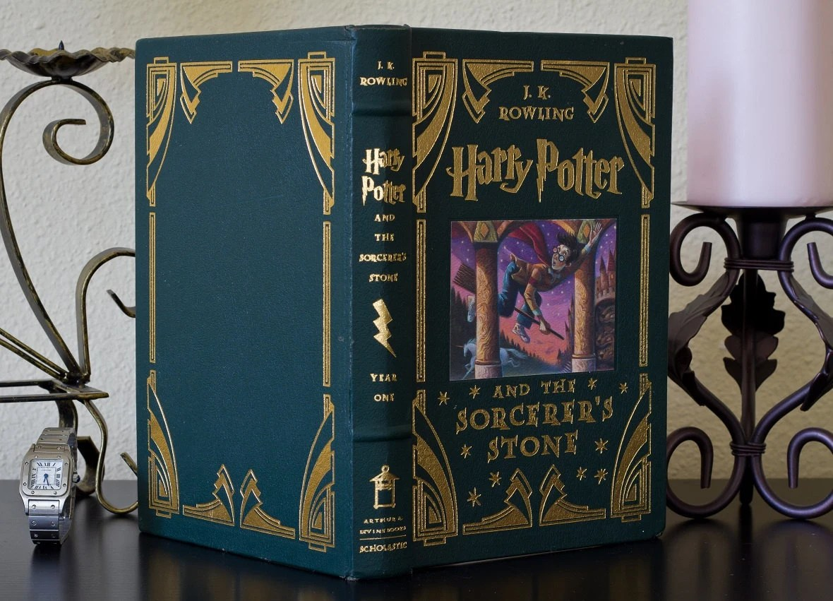 Hollow Book Safe - Harry Potter (Deluxe Edition)