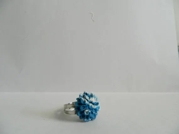 Blue and White Swirled Mum Polymer Clay Cabachon Ring
