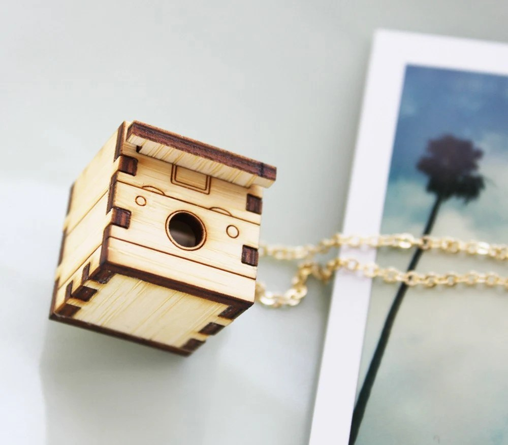Polaroid Camera Necklace Locket - Iluxo