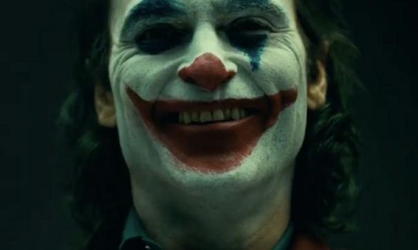 Опубликован ролик с Хоакином Фениксом в образе Джокера