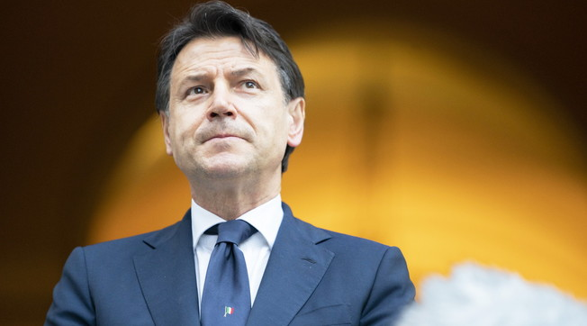Go back to being a provincial lawyer. Rumors about chaos in the Senate: Pd-M5s, technical tests of kissing Conte's death