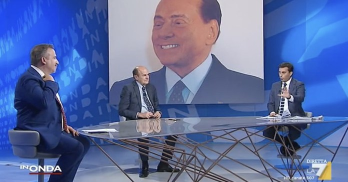 Berlusconi? Instead of being outraged .... Bersani laughs at the scandal, the studio sucks from Porec. And Felt unmasks him live