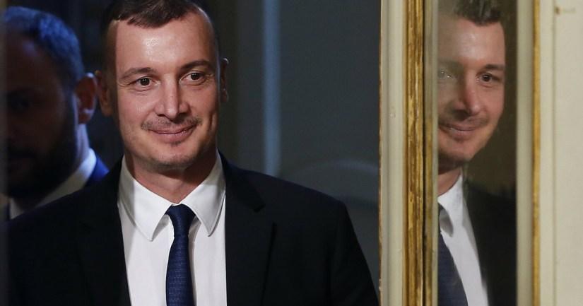 """""""Casalino has to do it again"""".  Dago-bomb on Conte's delay: """"waiting for the live broadcast…"""", disturbing suspicion"""