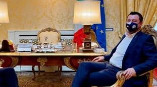 Strano, dev'essere un errore. Salvini vede il Cav, il pesantissimo sospetto della Meloni: che botta