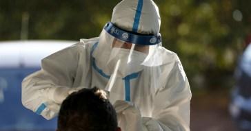 Bollettino 19 ottobre: aumentano i contagi, 70 morti. Continua la corsa al tampone (e al Green Pass)