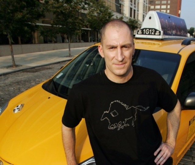 Cash Cab Host And Driver Ben Bailey Moved To Los Angeles In The Early 1990s To Pursue A Career As A Stand Up Comedian He Worked At The Comedy Store And