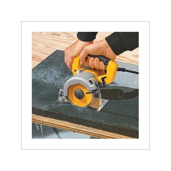 dewalt dwc860w 4 3 8 wet dry handheld tile cutter