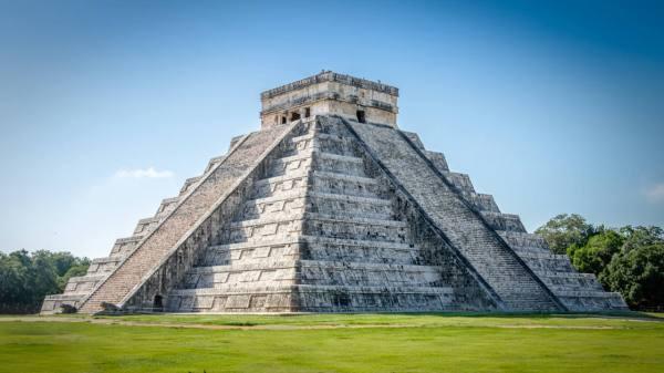 Descubren otra pirámide maya en el interior del templo de ...