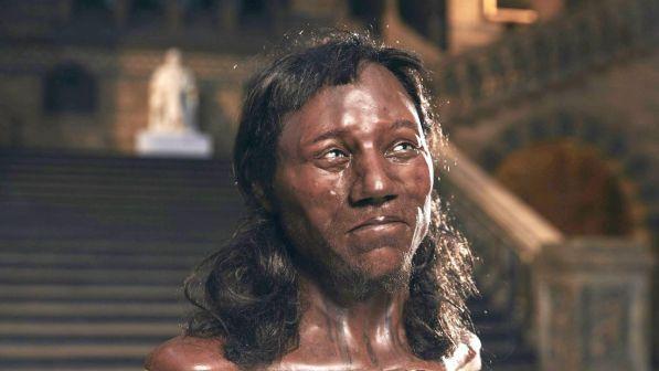 Altro che pelle chiara: il primo britannico era nero e riccio ma con gli occhi azzurri