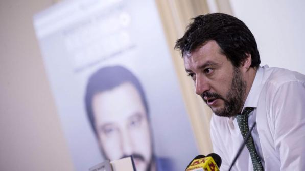Lega, da Salvini nuovi attacchi contro il Papa e la Boldrini