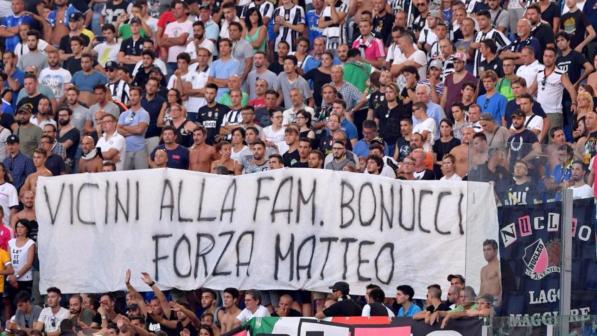 Lazio-Juve, striscione per Bonucci