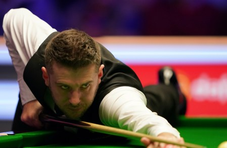 Mark Selby Edges Ahead Of Ronnie O'Sullivan In World Championship Semi-final