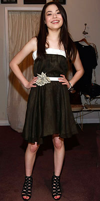 Miranda Cosgrove, Nickelodeon Kids Choice Awards Shopping Spree, Trying on Berliner dress at Satine, Los Angeles, i Carly
