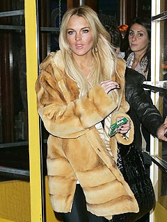 Fur Shame! Is Lindsay Lohan a Coat Thief?   Lindsay Lohan