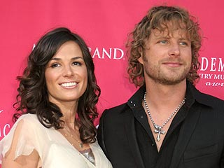 Country Star Dierks Bentley Expecting First Child