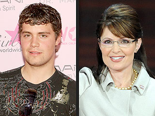 Levi Johnston Apologizes to Palin Family for 'Youthful Indiscretion'