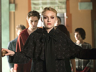 EXCLUSIVE: First Look at New Moon's Evil Volturi | Dakota Fanning