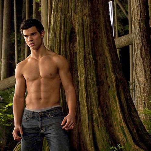 4. HE'S ABS-OLUTELY RIPPED photo | Taylor Lautner