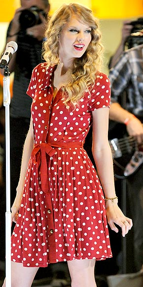 GOING DOTTY photo | Taylor Swift
