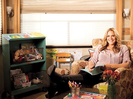 Mary McCormack Keeps It Family Friendly On Set Moms Amp Babies Celebrity Babies And Kids