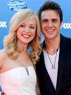 Kris Allen Welcomes Son Oliver Neil