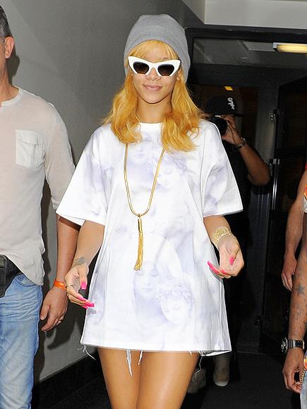 SHORT ITEM photo | Rihanna