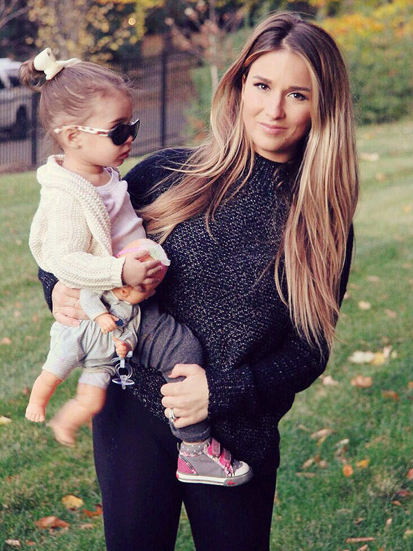 Jessie James Decker on Sharing Body After Baby Pics on ...