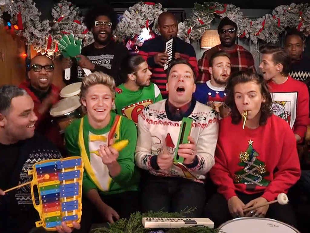 Jimmy Fallon And One Direction Sing Santa Claus Is Coming