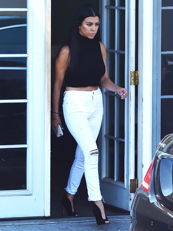 What Is Happening To Kourt She 39 S Becoming A True 39 Kardashian 39 The Insyder The Teeniez Voice