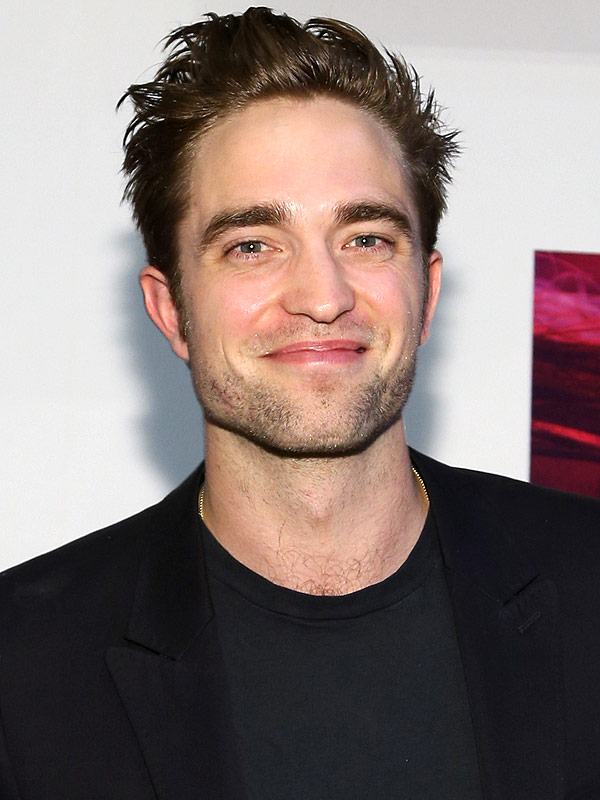 robert pattinson s bedraggled beard are you loving it. Black Bedroom Furniture Sets. Home Design Ideas