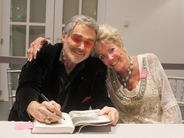 Burt Reynolds Has Sweet Reunion with His First Girlfriend During Hometown Homecoming| Movie News, Burt Reynolds