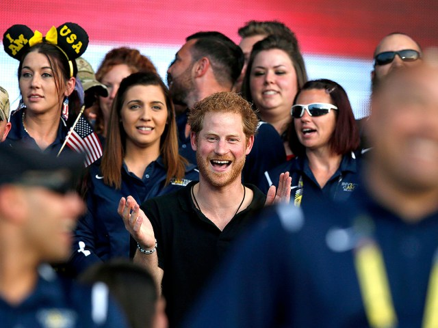 Prince Harry Wraps His 'Unbelievable' Invictus Games: 'This Has Never Been About the Medals'| The Royals, Prince Harry