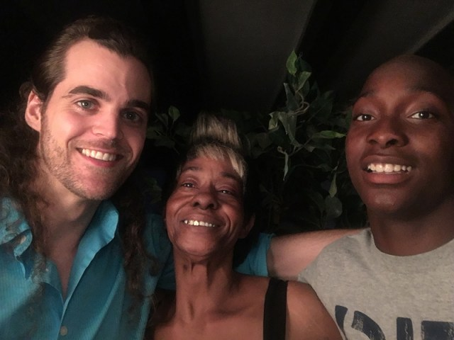 Friendship Forged in Memphis Parking Lot Leads to $300,000 – and a New Life for Struggling Teen and His Mom| Real People Stories, The Daily Smile