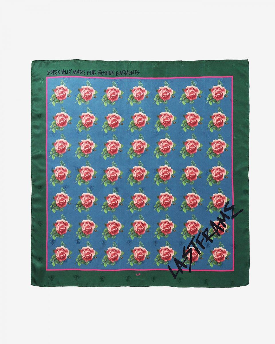 LASTFRAME バラ x グラフィティスカーフの写真