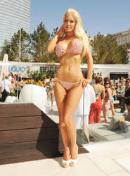 Heidi Montag shows her new fake body in bikini at Liquid Pool at Aria at CityCenter in Las Vegas - Hot Celebs Home