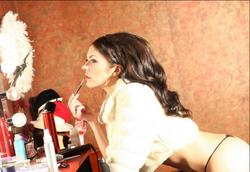 Adrianne Curry naked showing bare ass in Meredith Lovegrove photo-shoot - Hot Celebs Home