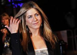 Jennifer Aniston leggy in small silver dress as she attends Bounty Hunter gala premiere in London - Hot Celebs Home