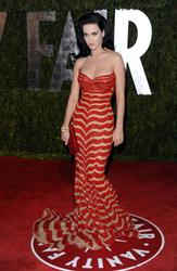 Katy Perry with great cleavage attends Vanity Fair Oscar party in Hollywood - Hot Celebs Home