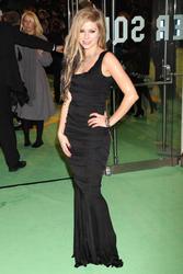 Avril Lavigne attends Alice In Wonderland Royal World Premiere in London - Hot Celebs Home