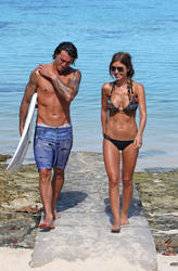 Audrina Patridge relaxing on a tropical vacation - Hot Celebs Home