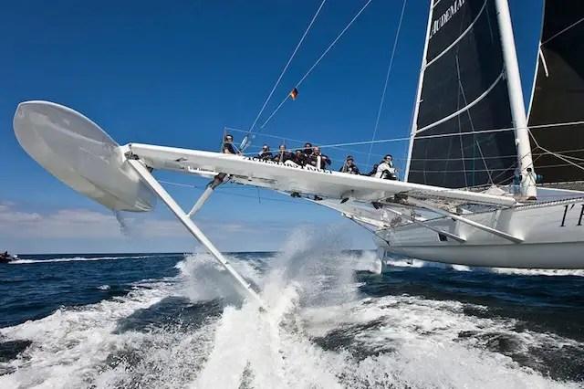 hidro3 - L'Hydroptère: el velero más rápido del mundo no surca el mar sino vuela