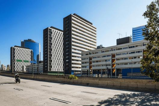 Conjunto Habitacional do Jardim Edite / MMBB Arquitetos + H+F Arquitetos. Image© Nelson Kon