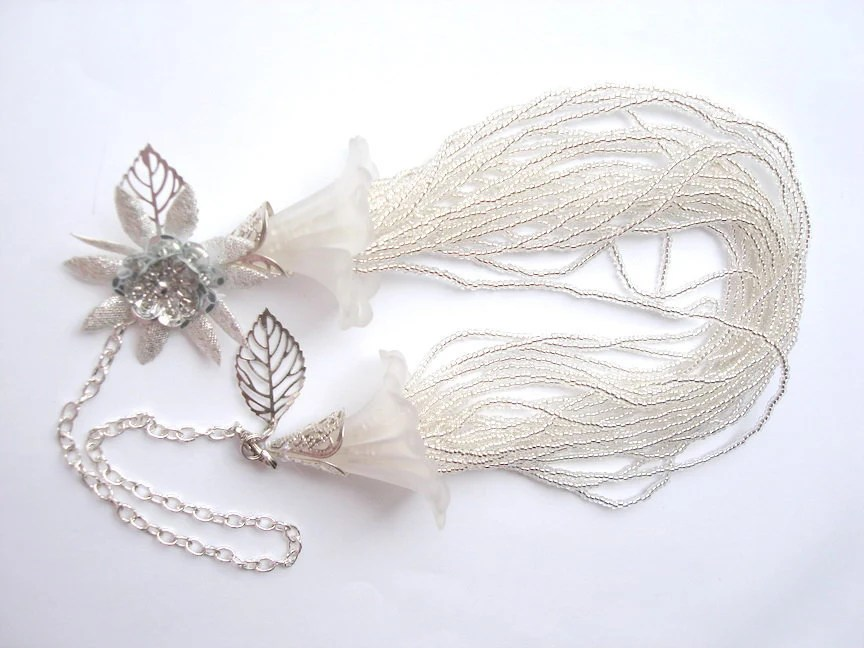Ivory White Beaded bridal Necklace in lucite flowers come off flow - seragun