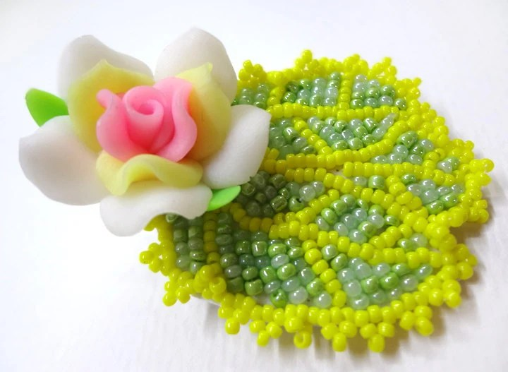 Cute Beaded Flower Hair Clip - MegansBeadedDesigns