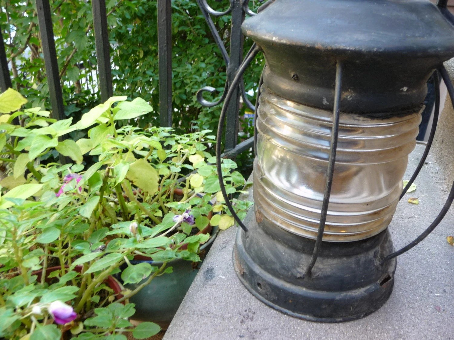Antique Metal Ship Lantern - EastonandBelt