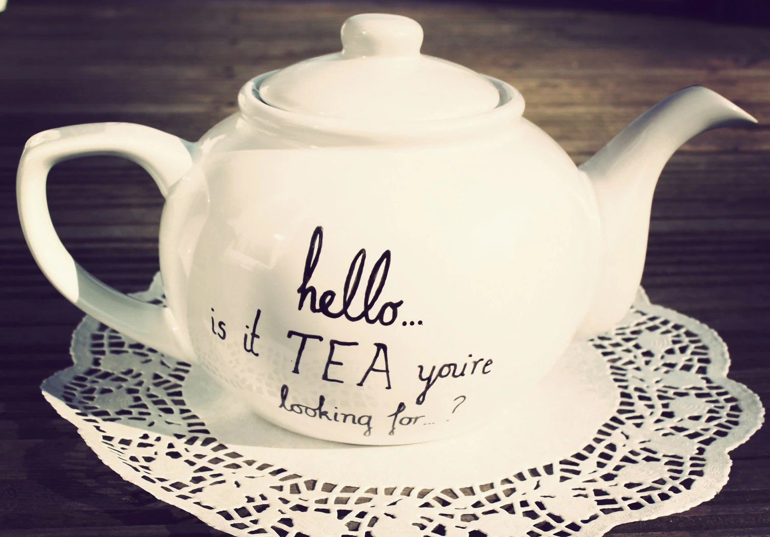 Mr. Teapot - Lionlel Richie Hello is it tea you're looking for?